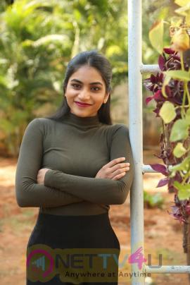 Actress Punarnavi Bhupalam Latest Good Looking Pics Telugu Gallery