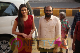 Actress Neha Hinge Launches Natural Salon And Ayurvedic Spa At Vizag Images
