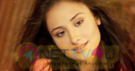 Actress Anupriya Kapoor Cute Stills