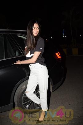 Actress Athiya Shetty Spotted At Yauatcha Restuarant In Mumbai Beautiful Pics Hindi Gallery