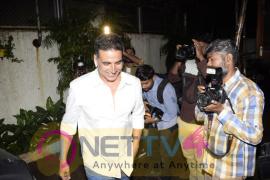 Akshay Kumar Came To Dubbing Studio