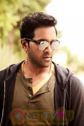 Actor Manchu Vishnu Handsome Pics