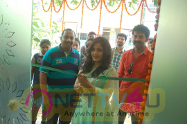 Vasundhara Salon Opens Its First Branch In Rajahmundry Inaugurated By Madhavi Latha Images Telugu Gallery