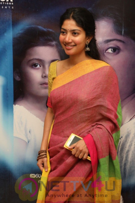 Actress Sai Pallavi Attractive Pics Malayalam Gallery