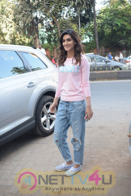Kriti Sanon And Nupur Sanon Spotted At Juhu For Shoot Of Miss Malini Show  Hindi Gallery