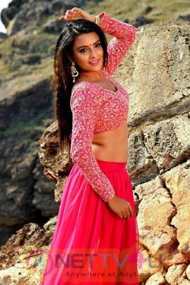 Actress Jyothi Seth Hottest Pics