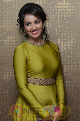 Tejaswi Madivada Gorgeous In Lime Green Outfit  Telugu Gallery