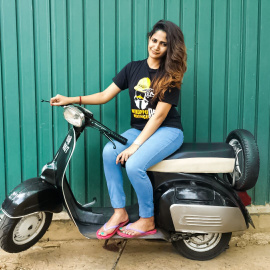 Bigg Boss 3 Contestant News Reader Losliya Magnificent Pics