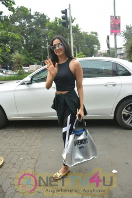 Kiara Advani Went To Bastian Restaurant Images