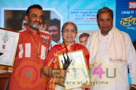 State Filmfare Awards Grand Pictures  Kannada Gallery