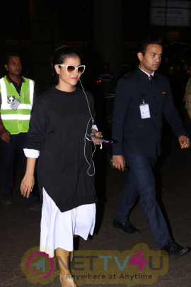 Kajol Devgan Spotted At Airport Pics Hindi Gallery