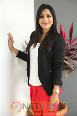 Telugu Actress Rashmi Gautam Images