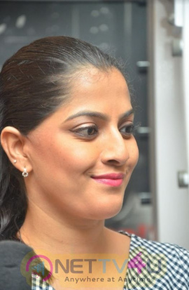 Actress Varalaxmi Sarathkumar Attractive Images