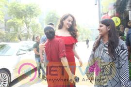 Actress Kangana Celebrating Christmas With Smile Foundation Kids Pics Hindi Gallery