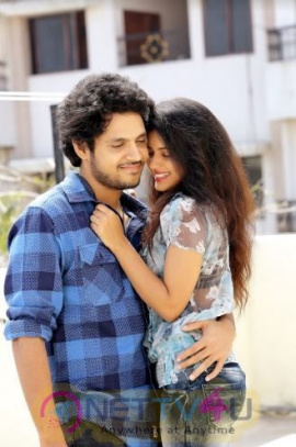 Chalthe Chalthe Movie Images Telugu Gallery