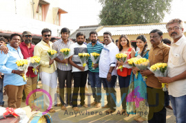 Nadodigal 2 Movie Pooja Photos Tamil Gallery