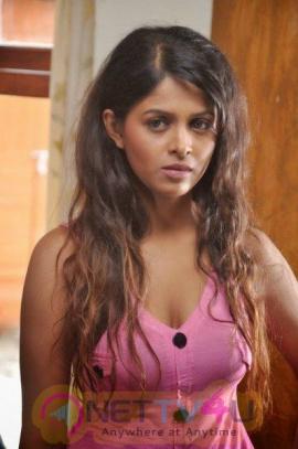 Actress Ash Leela Stunning Pics Telugu Gallery