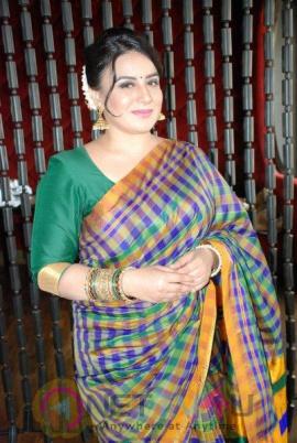 Pooja Gandhi Press Meet Grand Pics Kannada Gallery