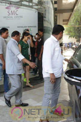 Shahid Kapoor & Mira Rajput  Came To Clinic In Bandra