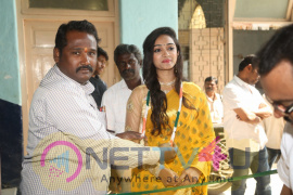 Actress Meghna Mandumula Launch Pochampally Handloom  Images Telugu Gallery