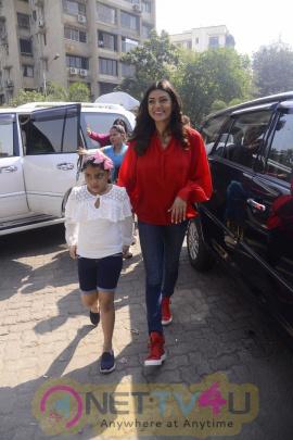 Sushmita Sen Celebrate Republic Day Art Camp With Kids Pics Hindi Gallery