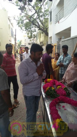Actor Vignesh Paid  Last Respect To Late Actor Thavakalai On Behalf Of Nadigar Sangam