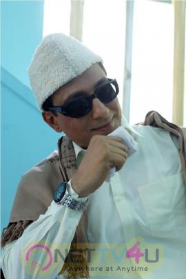 Actor Sathish Kumar Act In MGR Role Stills Tamil Gallery