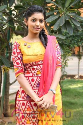 Kadhal Kan Kattudhe Movie Press Meet Exclusive Photos Tamil Gallery