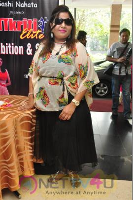 Sana Khan Launches Aakrithi Exhibition Stills
