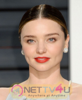 Hollywood Actress Miranda Kerr Oscar Charming  Photos