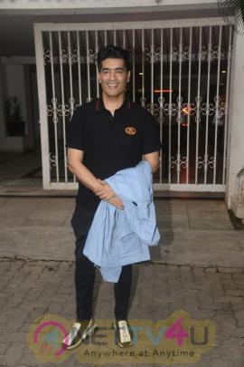 Kareena Kapoor, Karisma Kapoor, Malaika Arora, Arjun Kapoor Went To Karan Johar Home