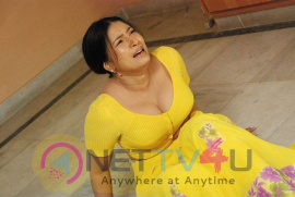 Old Actress Sanghavi Romantic Pics