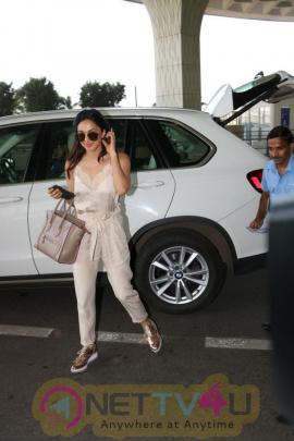 Actress Kiara Advani Spotted At Airport Stills Hindi Gallery