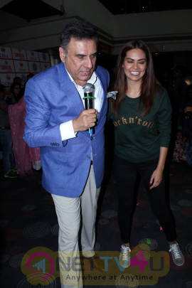 Boman Irani & Esha Gupta At Children Carnival Along With 300 Cancer Patient Kids Photos
