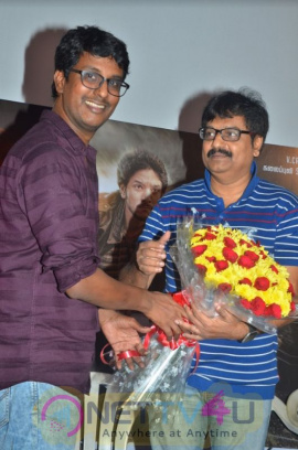 Actor Vivek Launched Indrajith Comic Book With Children Images Tamil Gallery