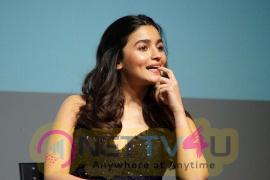 Actress Alia Bhatt Sexy Images