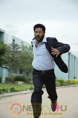 Kalavaadiya Pozhuthugal Movie Images
