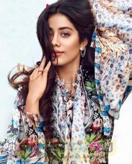 Actress Janhvi Kapoor Lovely Pics Hindi Gallery