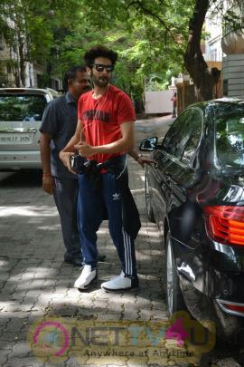Actor Kartik Aaryan Spotted At Bandra Pics