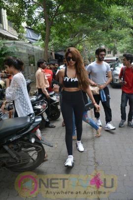 Kartik Aaryan And Dimple Sharma Spotted At Bandra Pics Hindi Gallery