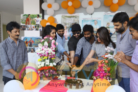 Vunnadi Okate Zindagi Team Success Celebrations Stills Telugu Gallery