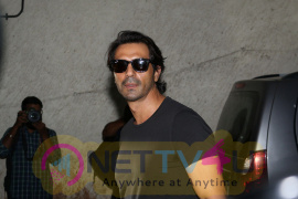 Arjun Rampal Host Special Screening Of Teaser Film Daddy For The Family & Close Friend Photo English Gallery