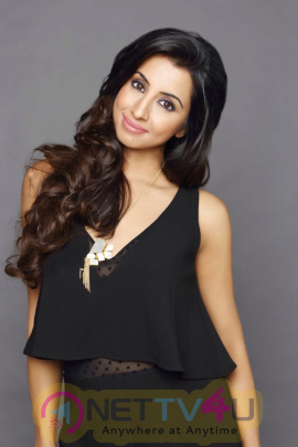 Actress Sanjjanaa Galrani New Photo Shoot Telugu Gallery
