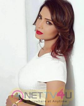 Actress Adaa Khan Cute Pics Hindi Gallery