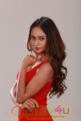 Actress Akruti Singh Cute Pics