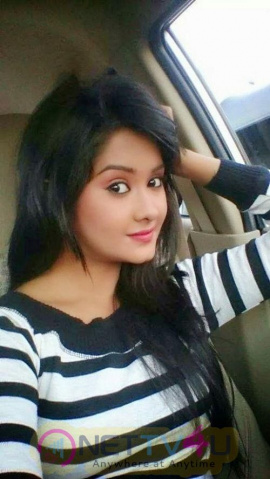 Actress Kanchi Singh Cute Stills Hindi Gallery