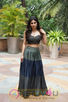 Akshay Kumar & Mouni Roy At Novotel Juhu For The Gold Media Interactions Stills