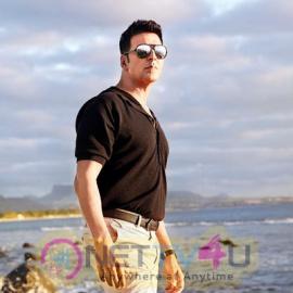 Actor Akshay Kumar  Shining Stills Hindi Gallery