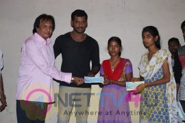 Actor Vishal Help 10 Poor Students By Paying College Fees For Them Excellent Stills Tamil Gallery