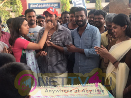 Actor Vishnu Vishal Birthday Celebration Stills Tamil Gallery